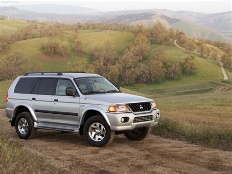 mitsubishi montero sport 2004 mitsubishi montero sport picture 02 of 05 front angle