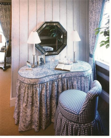 looking to buy a skirted kidney shaped vanity table like