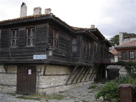 file big nice wooden house jpg wikimedia commons file nesebar wooden houses jpg wikimedia commons
