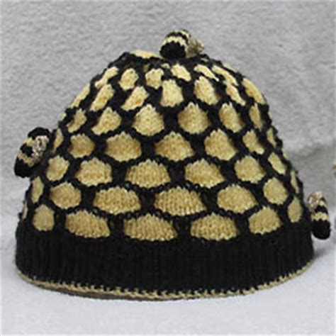 Bee Knit Hat free knitting pattern for honeycomb mittens simple