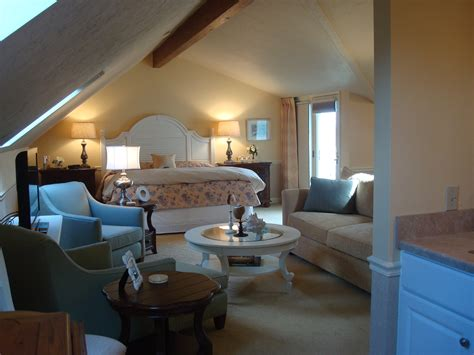 hotel with in room ma cape cod hotels hyannis harbor view rooms anchor in hotel