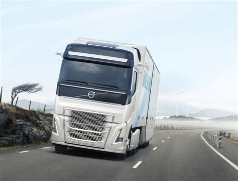 volvo semi truck volvo trucks unveils hybrid powertrain for heavy duty