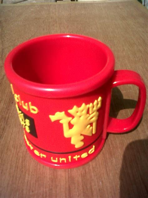 Jersey Retro Mu 98 99 mug manchester united brilian muda jersey corner