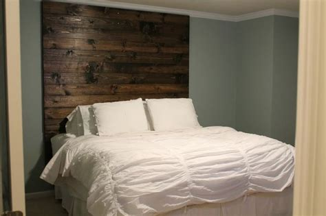 Diy Rustic Headboard Rustic Diy Headboard For The Home