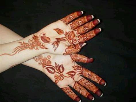 henna tattoo qatar 40 best qatar images on pinterest middle east amazing