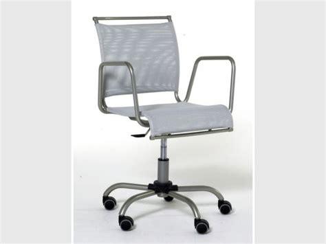 chaise de bureau habitat une chaise et fonctionnelle