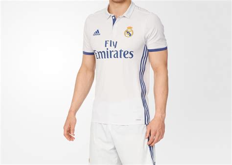 Hoodie Pes 2017 le real madrid d 233 voile ses deux maillots 2016 2017