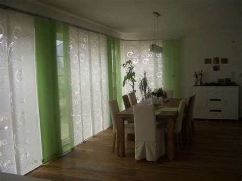 vorhänge wohnzimmer ideen wanduhr modern
