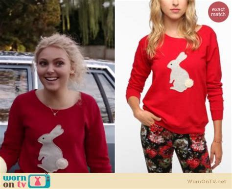 Carrie Diaries Wardrobe by Wornontv Carrie S Bunny Sweater On The Carrie Diaries