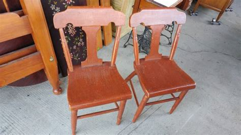antique bottom dining chairs 2 antique plank bottom early country dining chairs so