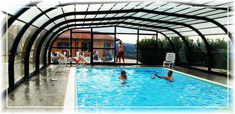 agriturismo piscina interna agriturismo marche con piscina coperta chiciabocca