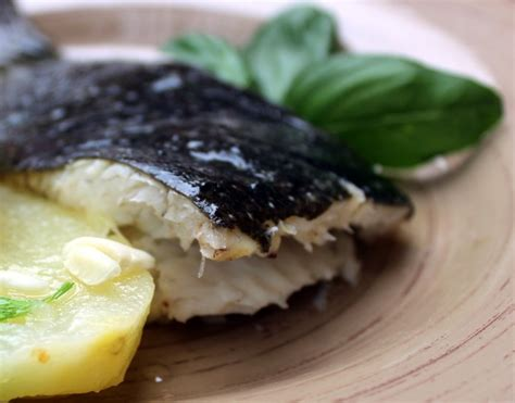 como cocinar rodaballo al horno rodaballo al horno una receta excepcional de pescado