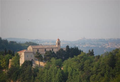 trans porto d ascoli tentativo di furto finito nel monastero delle