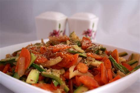 cucinare col wok veganloira wok di verdure con granella di nocciole