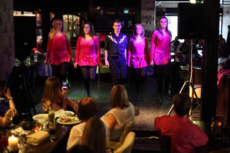 top songs played in bars traditional irish dancing shows in dublin pubs publin