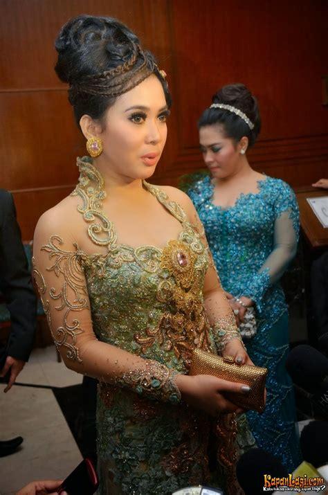 Princes Syahrini Batik kebaya modern style syahrini international kebaya