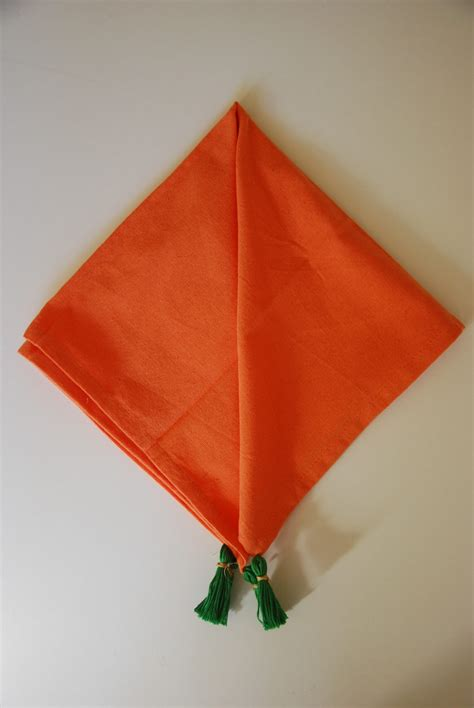 Folding Paper Napkins With Ribbon - diy carrot napkins
