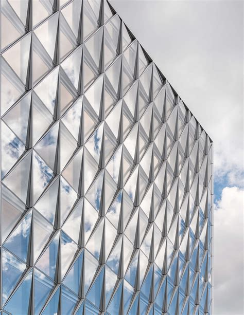 unitized curtain wall the innovative closed cavity facade system developed for