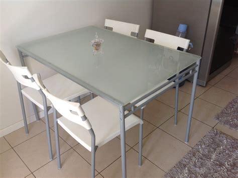 ikea masa beyaz ikea ikea cam masa ve sandalye takımı kullanılmış