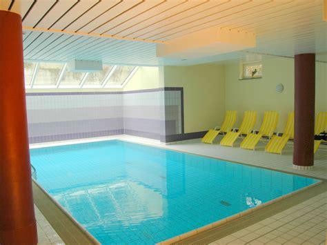haus mit schwimmbad ferienwohnung im haus a cappella mit schwimmbad ostsee