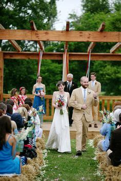 farm weddings south east 1000 images about neighborhood finds on