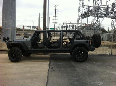 6 Door Jeep Wrangler There S A 6 Door Jeep Wrangler In Las Vegas And Another In