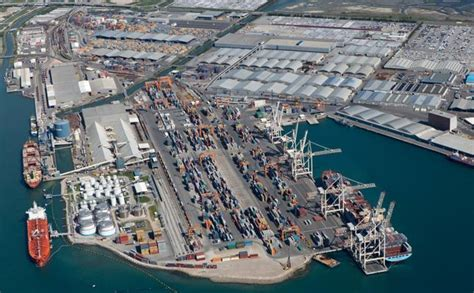 porto di koper il porto di koper completa i dragaggi the medi telegraph
