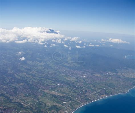 emirates mount agung bali flights disrupted again by volcano economy traveller
