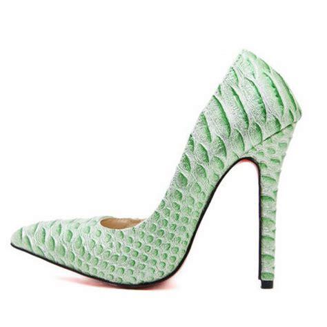green snakeskin high heel court shoes