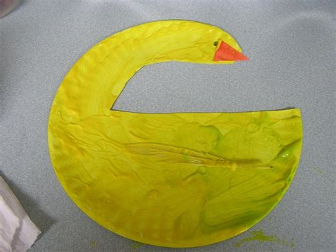 Duck Paper Plate Craft - duck paper plate craft for farm week storytime ideas