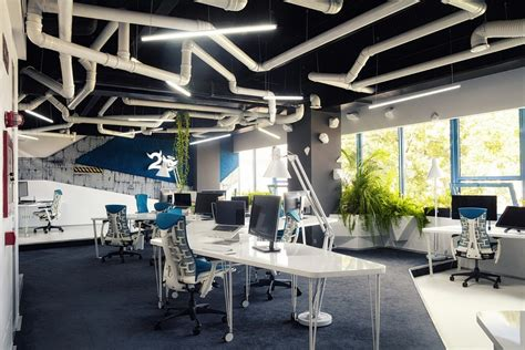 Imaginative Spaceship Themed Office With A Touch of Sustainability
