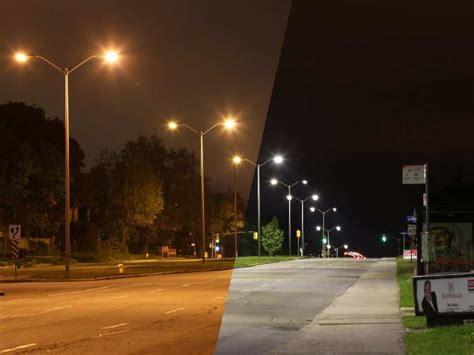 city seeks  convert  street lights  led