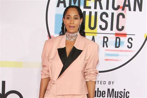 tracee ellis ross dance tracee ellis ross impresses at american music awards with