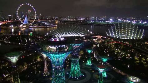 Gardens By The Bay In Mandarin by Information Guides Mandarin