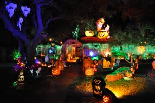Homes Decorated For Halloween halloween horror wonderland that s sure to light up everyone s
