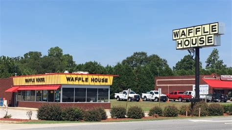 waffle house robbery employee injured in waffle house robbery wfxl