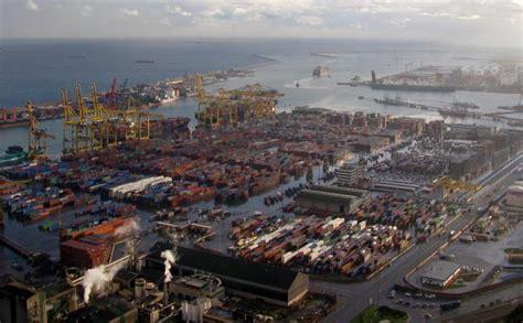 porti spagna spagna il blocco dei porti sconfigge il governo
