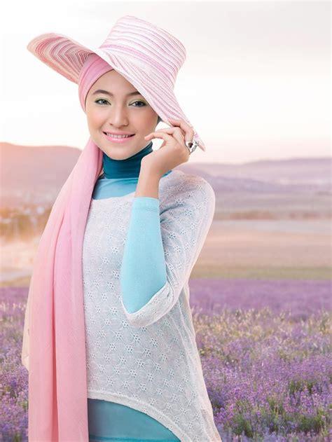 Eyeliner Dan Mascara Wardah wardah cosmetics 2013 calendar photo project magazine islamic arts magazine