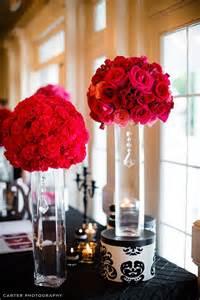 White Eiffel Tower Vase Short Red Ball Of Carnation Flower Arrangements Can Also