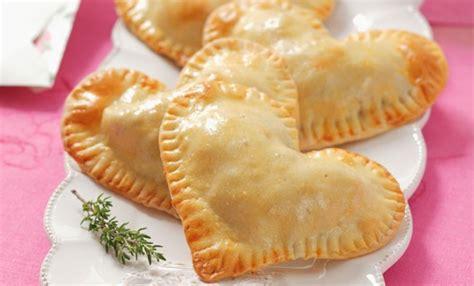 pasta sfoglia fatta in casa pasta sfoglia fatta in casa la ricetta base leitv