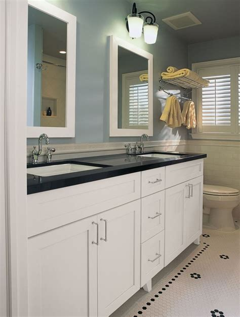 Painting Bathroom Vanity White by Best 25 Black Bathroom Vanities Ideas On