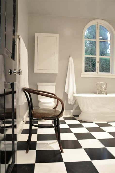 black and white checkered bathroom floor black and white checkered floor traditional bathroom