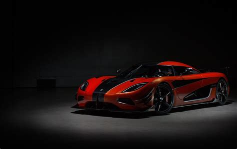 koenigsegg suv koenigsegg agera rs becomes world s fastest vehicle