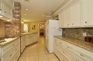 kitchen backsplash ideas with santa cecilia granite santa cecilia granite for home improvement application