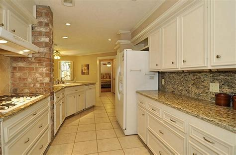 Kitchen Design Ideas White Cabinets Santa Cecilia Granite For Home Improvement Application