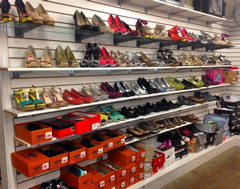 discount store merchandising for profit via trading discount store tips