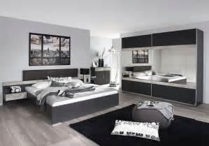 lit contemporain avec chevets suspendus gris