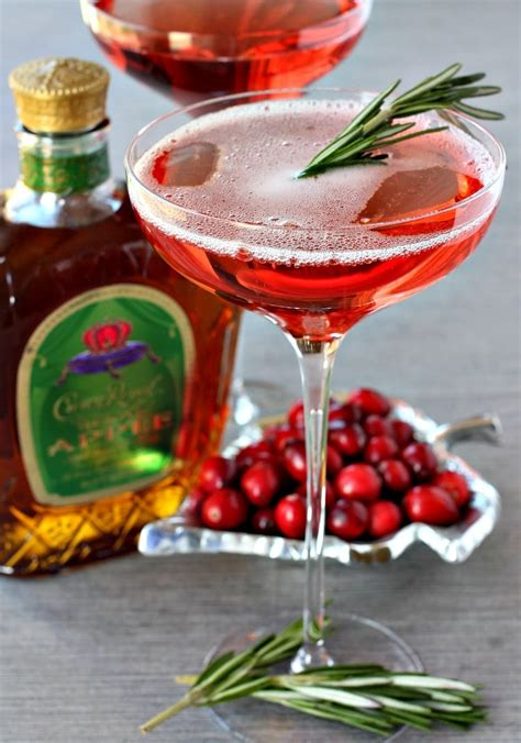 good christmas scotch cranberry whisky sparkler mantitlement
