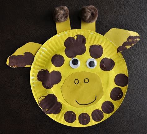 Animal Paper Plate Crafts - paper plate giraffe she s crafty