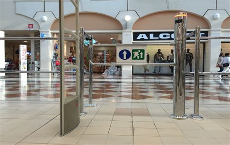 sede legale auchan zwei s r l design made in italy